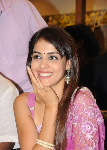 Bollywood actress genelia hot free images Wallpapers | Genelia D Souza HD Wallpapers Download