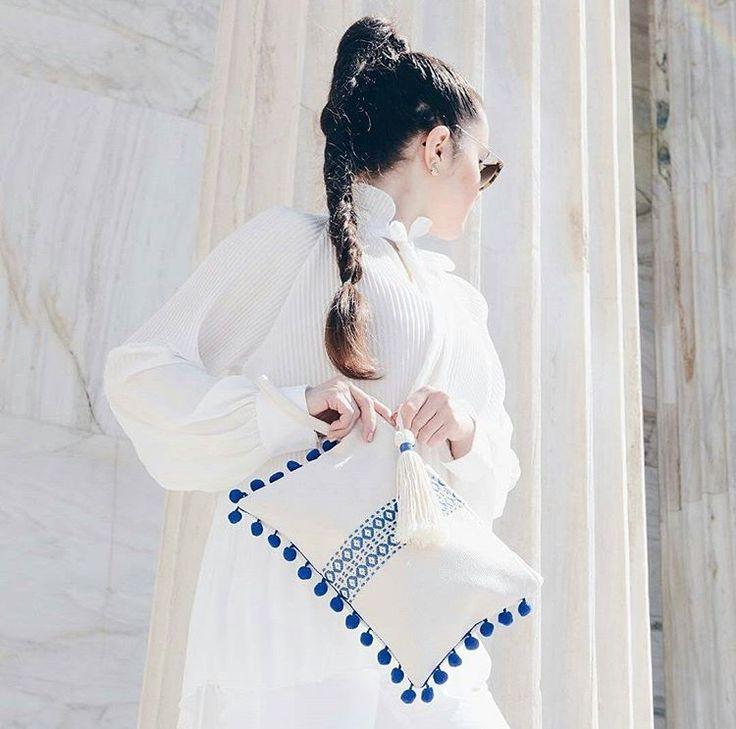 ᴀᴄᴄᴇɴᴛᴜᴀᴛᴇ ʏᴏᴜʀ ᴏᴜᴛғɪᴛ ᴡɪᴛʜ ᴀ ʜᴀɴᴅᴍᴀᴅᴇ ʙʟᴜᴇᴍᴀᴛɪ ᴄʟᴜᴛᴄʜ! sᴀɴᴛᴏʀɪɴɪ ᴄʟᴜᴛᴄʜ $70🦋🌺 www.bluematitrend.com  #bluematitrend #bluemati  #styleinspo #stylefashion #bags #pouches #melbourneshopping #lux #nyc  #melbournefashion  #fashionbags #styleoftheday #fashionblogger_de #styleguide #styleinspo #stylefashion #melbourneshopping #ootdmagazines #fashionblog #bloggers #blogger_de #bloggerstyle #bags👛👜 #clutches #hellenic #boho #bohostyle #bohochic #bohobag