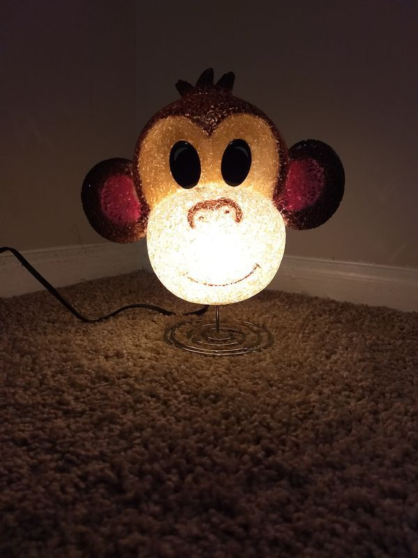 Used (normal wear) - Great nursery/nite light sells new on Amazon for $20 See link for specs  https://www.amazon.com/RIN-4124292-Monkey-Sparkle-Lamp/dp/B003D1Z05S