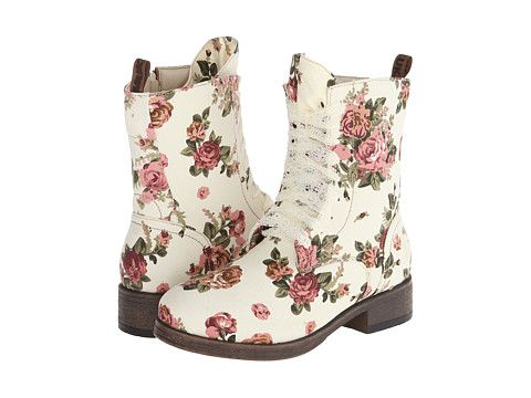 MUK LUKS Betty White Floral - 6pm.com