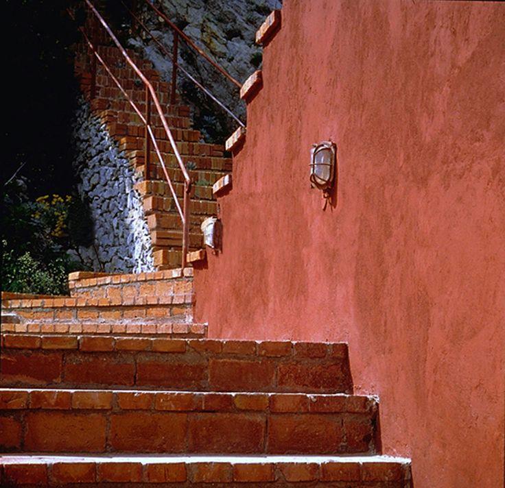Casa malaparte casa malaparte adalberto libera curzio for Villa curzio malaparte