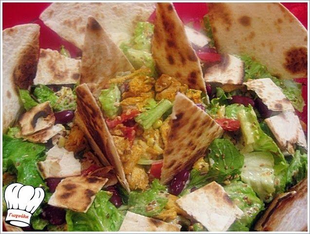 Σουπερ φανταστικη , σπιτικη και πεντανοστιμη κοτοσαλατα που μπορειτε να την γευτειτε και να καταναλωσετε και για κυριως γευμα. Ιδανικη και για το γιορτινο μας τραπεζι. <strong>Δοκιμαστε την!!!</strong>