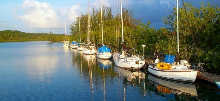 Honduras marinas fantasy island resort marina roatan for Roatan dive resort