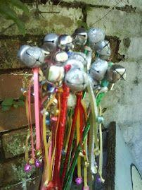 noise maker wands: