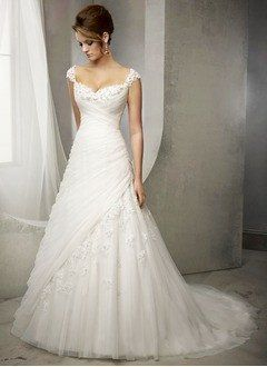 A-Line/Princess Sweetheart Court Train Tulle Wedding Dress With Appliques Lace - Alternative Measures -
