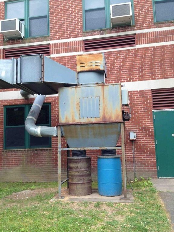 Een robot-pizzabezorger kunst of gewoon installaties van een gebouw?