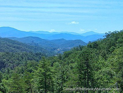 Just 1 Mile From Downtown Gatlinburg But Who S Looking