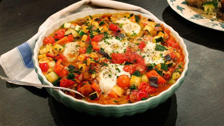 Shakshuka - grönsaksgryta med ägg | SVT recept
