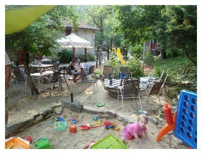 Auvergne- kleine gezellige camping met zwembad en beekje - camping moulin de Chaules
