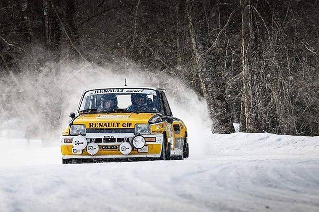 Historic Winter Rally Covasna  regards to Attila Szabo @attilaszabophoto attilaszabo.ro  #rally #rallyoldtimer #rallycar #rallye #rallyehistorique #gordini #photoofday #photo #photography #canon #winterrally #winter #covasna #romania #nature #sportphotography #fras #renault #renaultgroup #renault5 #instagood  #retro #car #renault #porsche #ford #bmw #DestinationCovasna