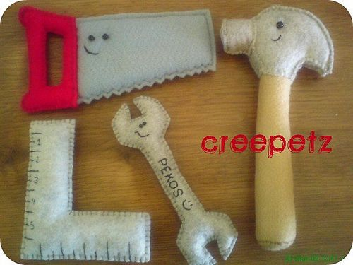 Lots of felt crafts Good idea for Father's Day or birthday gift for a toddler