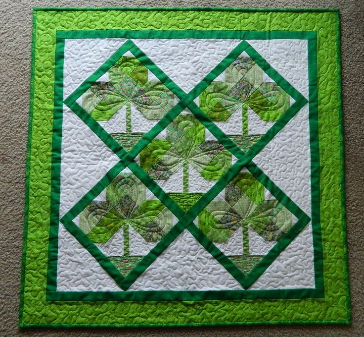 St. Patrick's Day: Minis Quilts, Holidays Quilts, Quilts Finish, Scrappy Quilts, Shamrock Quilts