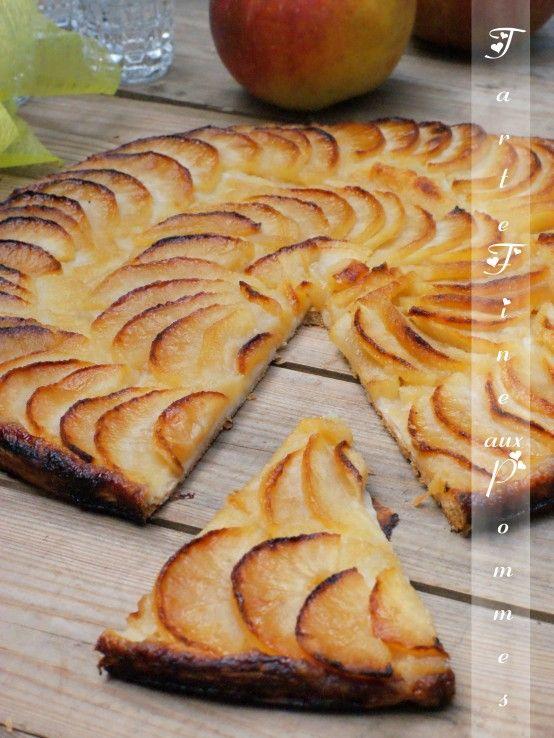 tarte fine aux pommes Bonjour tout le monde, Plus délicieux et plus facile à réaliser qu'une tar...