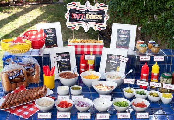 Create the ultimate build-your-own barbecue station for hot dogs and burgers. Delicious summer pool party and barbecue dessert recipes, craft ideas and more at http://cakemate.com/.