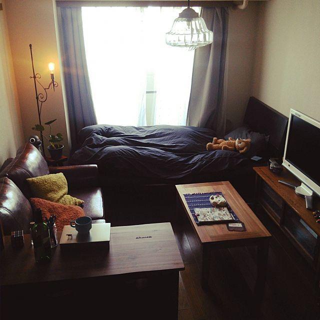 女性で、1Kの1K ひとり暮らし/観葉植物/B-COMAPNY/フェイクグリーン/noce…などについてのインテリア実例を紹介。「ソファーも届いて、大きい家具でぱつんぱつんですが収まりが良くなりました◎ これから壁面、小物雑貨選ぶのが楽しくなるなぁ〜」(この写真は 2015-08-01 13:10:11 に共有されました)