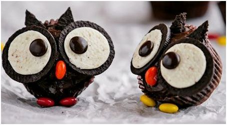 Oreo Cupcake Owls. very tweet! Check out my site http://oreocupcakes.info  for lots of ideas #OreoCupcakes