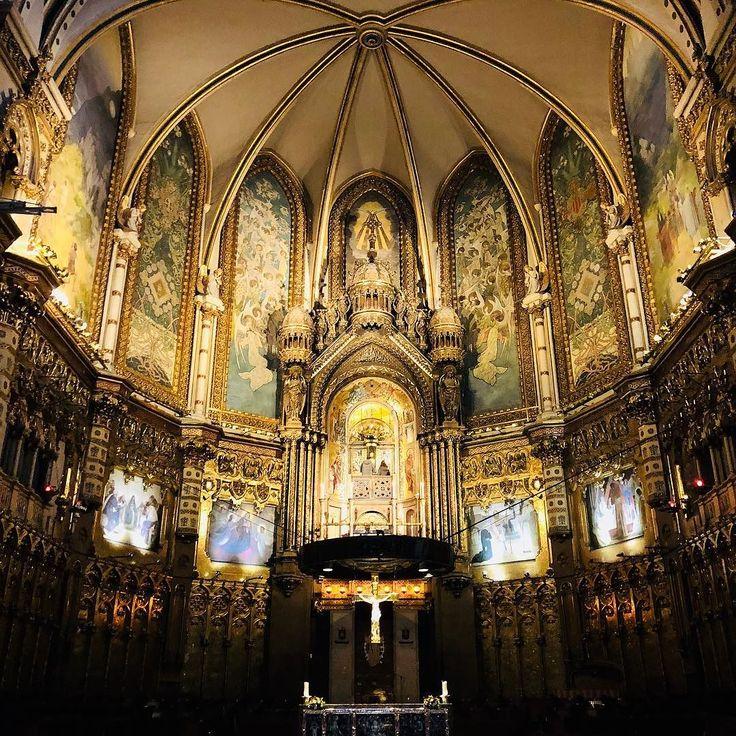 Santa Maria de Montserrat Abbey  #steps #recovery #montserrat #spain #city #citylife #beautiful #church #cathedral #architect #endofsummer #amazingplaces #wanderlust #travel #espana #babysteps #goodtimes #staypositive #fitness #health #vegan #espana #catalunya #mountain