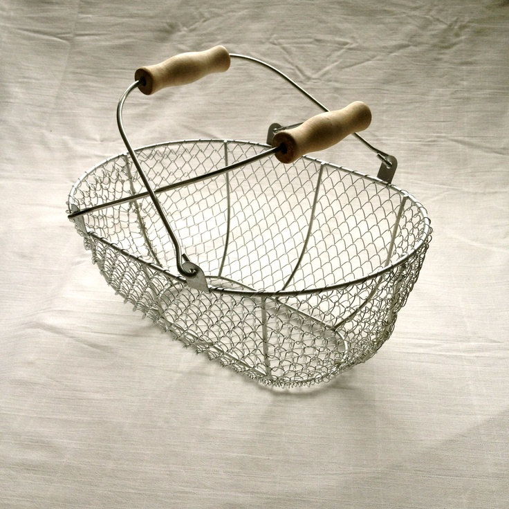 Wire harvest basket from The Clever Hamper Company. www.thecleverhampercompany.co.uk