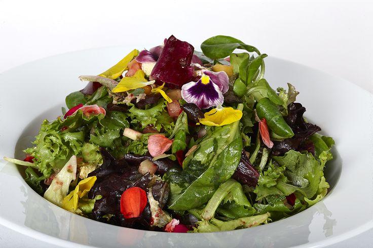 Ofrecemos diferentes tipos de ensalada.