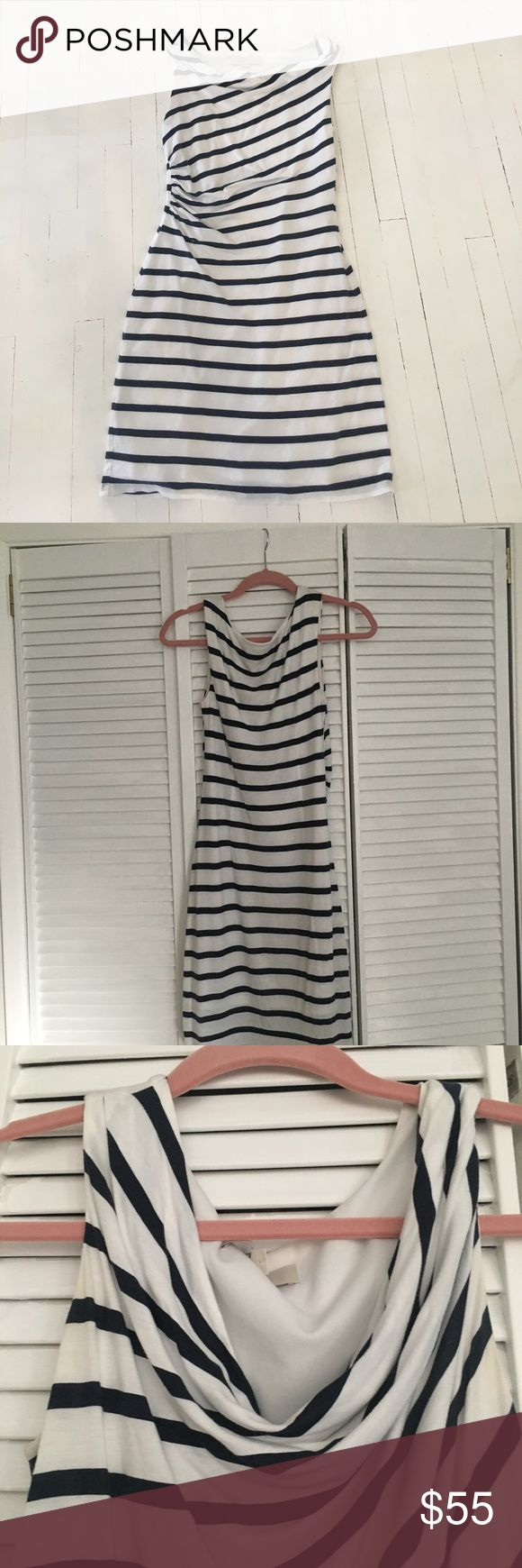 Flattering cowl neck, lined striped Loft dress. Ann taylor Loft dress. Subtle yet sexy. Great going out dress or throw blazer over it for office. Small stain. Barely noticeable due to draping. I didn't even see it until I laid dress out flat. LOFT Dresses Mini