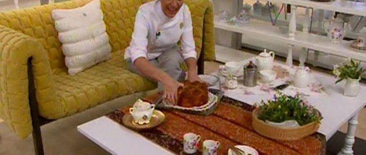 Macarrones para la hora del té, de frambuesas y chocolate blanco Chf. Paulina Abascal http://elgourmet.com/receta/macarrones-para-la-hora-del-te-de-frambuesas-y-chocolate-blanco