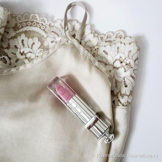 Помада-блеск Dior Addict Fluid Stick в оттенке #389 Kiss me