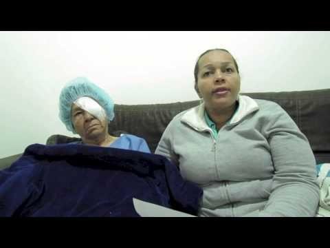 Pacientes de la #ClínicadeEspecialidadesOftalmológicas recomiendan la cirugía de catarata con el equipo LenXs. ¿Qué te parece el testimonio de María Oliva y su sobrina Beatriz?