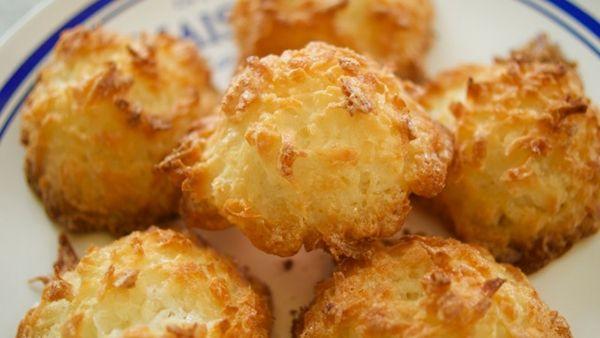 Το ευκολάκι: φτιάξτε macarons με καρύδα και 3 μόνο υλικά!