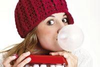 Опасна ли жевательная резинка для наших зубов?