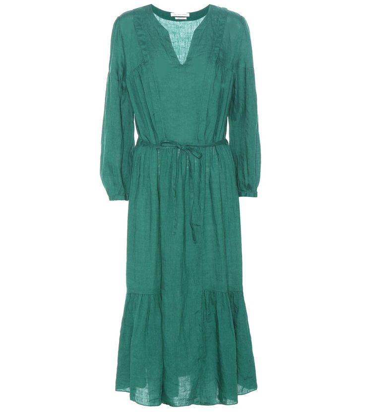 Isabel Marant, Étoile - Robe midi Dorset - Isabel Marant, Étoile s'inspire du style bohème pour vous offrir cette robe Doset à la teinte verte. Sa coupe midi cintrée à la taille d'un fin ruban à nouer vous conférera une démarche romanesque grâce à sa large jupe fluide. Notez les manches bouffantes et les divers empiècements créant de légères fronces et portez-la avec des bottes noires effet python. seen @ www.mytheresa.com