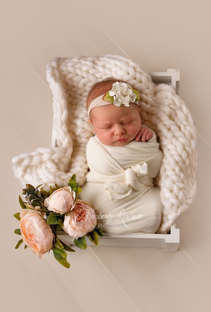 Newborn baby girl pictures photography session pink flowers