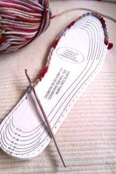 Idea :: Use pre-made insoles to crochet slippers  . . .  ღTrish W ~ http://www.pinterest.com/trishw/  . . .