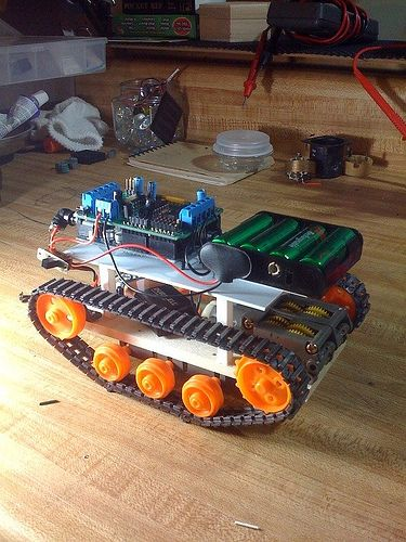 Making robots with Arduino