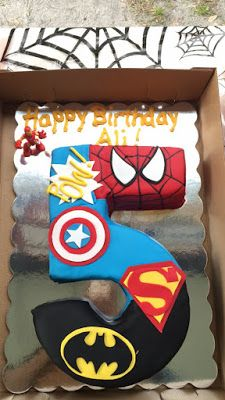 Super Hero Party Cake - Free Printables!