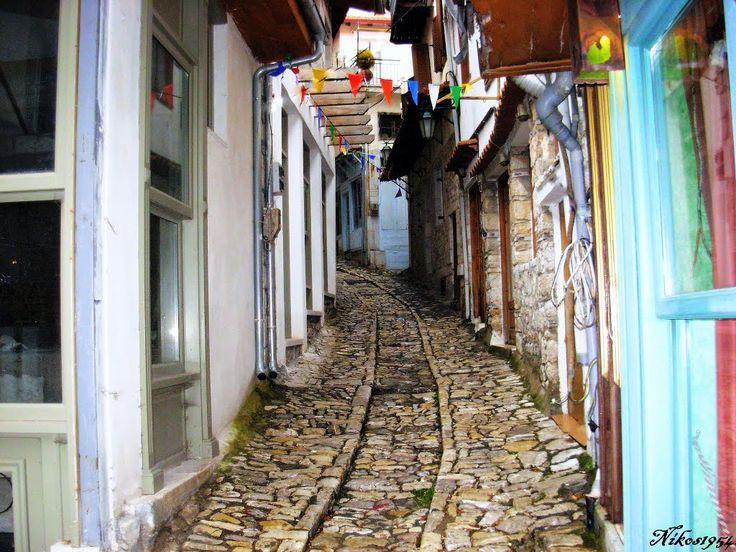 Γραφικό δρομάκι στην Δημητσάνα Αρκαδίας.-Picturesque alley in Dimitsana Arcadia.