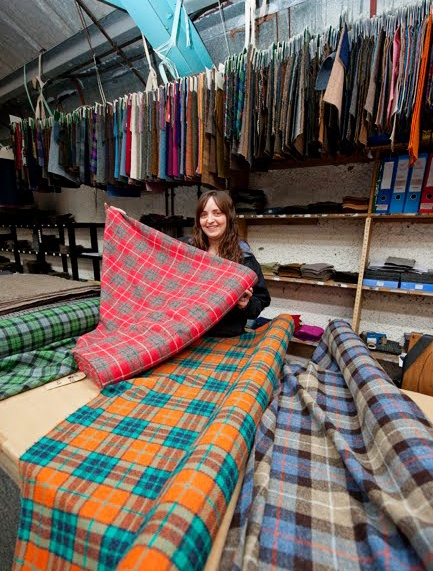 Shop specializing in Tartans ~ North Shawbost, Island of Lewis. My mother used to invisabel mend tartan when it came off the loom, in a mill like this in Hamilton,Lanarkshire.