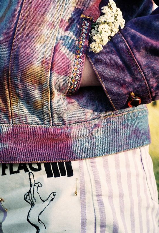 DIT customizing jackets  http://rookiemag.com/2012/08/queens-of-the-neighborhood-a-tutorial/#