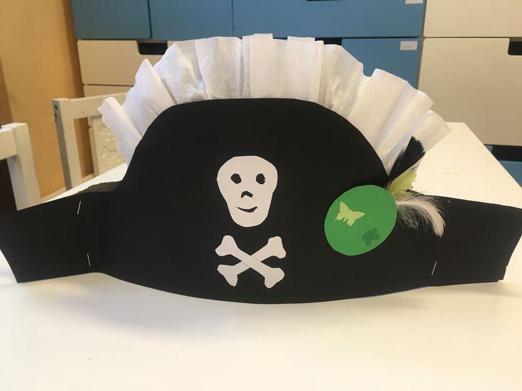 Papírová pirátská čepice