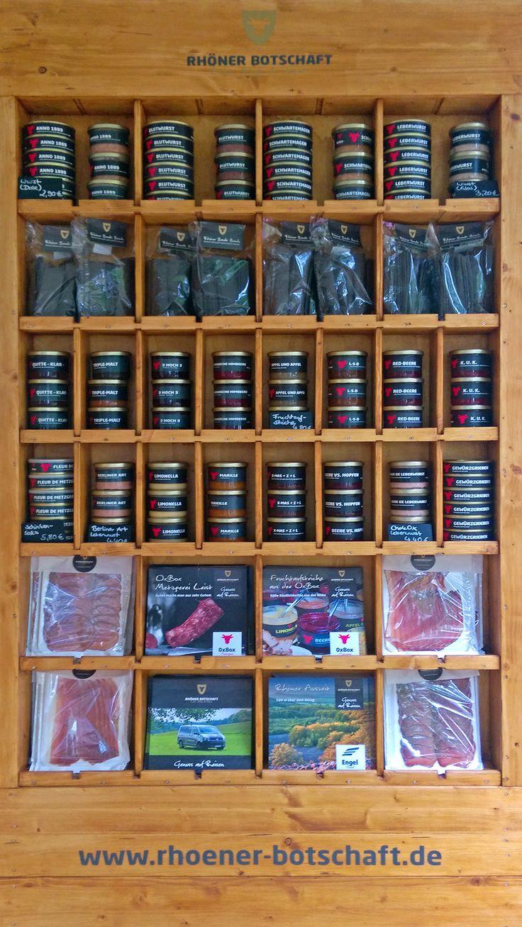 Best of OxBox - Metzgerei Leist in einem Regal vereint. Alle Produkte bekommt Ihr in unserer Metzgerei vor Ort, in der Rhöner Botschaft, beim morgigen HeimatMarkt und natürlich Online unter www.oxinbox.de