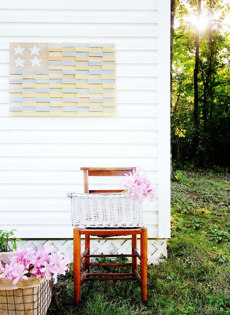 thistlewood farms How To Make a Wood Shim Flag http://www.thistlewoodfarms.com/how-to-make-a-wood-shim-flag/ via bHome https://bhome.us