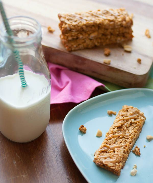 Subtly sweet, crunchy peanut butter granola bars. 120 calories.   realfoodmommd.com