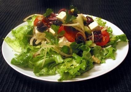 Sok-sok saláta és öntet recept.