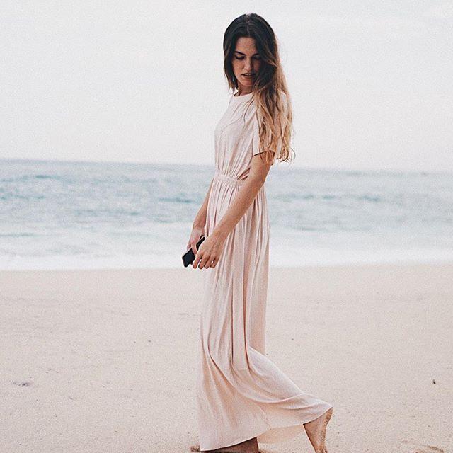 yesterday's look for our beach valentines dinner  dress @stormandmarie ___________________ #wmnswr #dress #stormandmarie #beach #outfit #ootd #instatravel #travelgram #mirissa #lantern #lanterncollection #srilanka #beach #fashiondiary #bloggerstyle #blogger_de #germanblogger #fashionblogger #fashion #fashionblogger_de #fashiondaily #travelgram #wanderlust