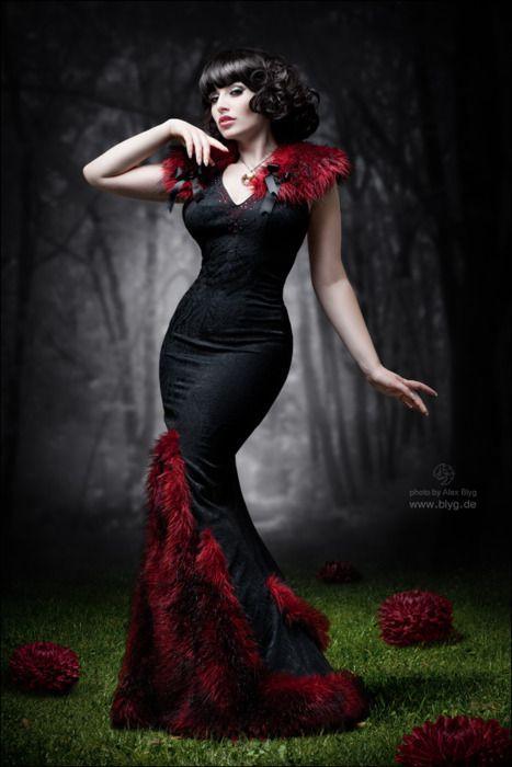 Gothic Wedding Rings | curves | Endomorph Inspiration
