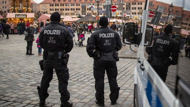 Frauen Niedergestochen Blutige Serie In Nurnberg Frau Polizei