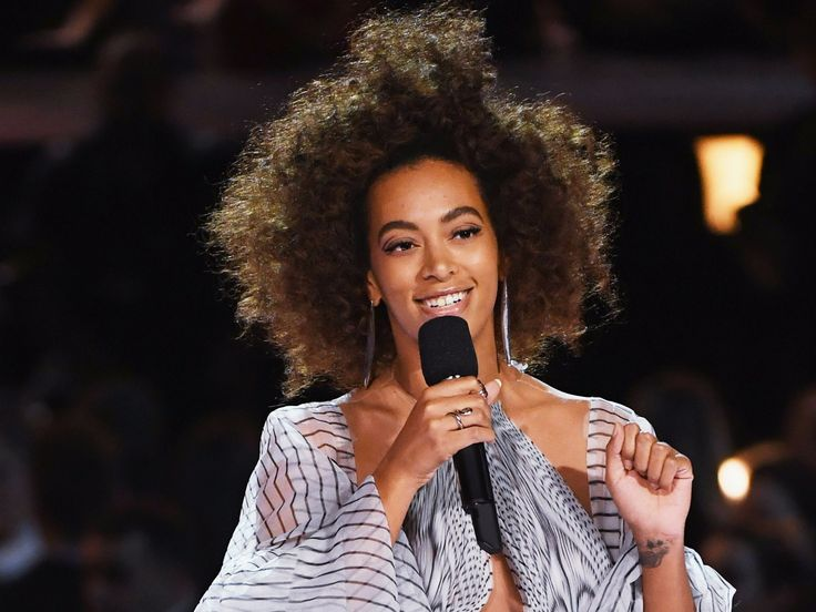 Solange Knowles called out a magazine for Photoshopping her braided hair