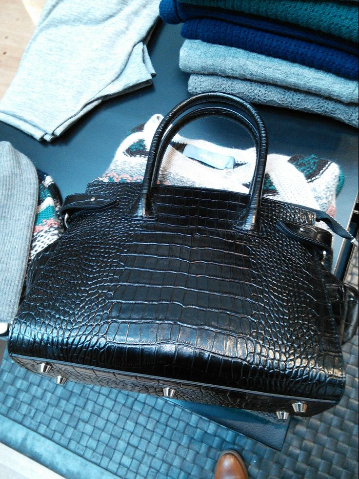 Decadent Small Black Croc with Detach. Strap 2500DKK