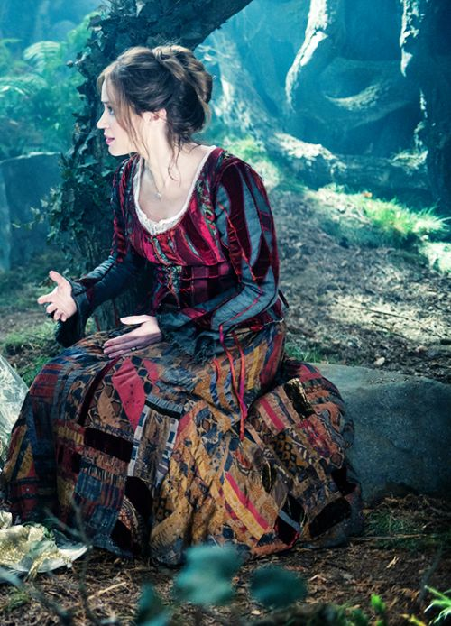 Into The Woods (Rob Marshall, 2014) once at Peckhamplex and the again for Kids' Club @ EDP. There were multiple toddler walkouts. Infants are so tough on Sondheim. But Emily Blunt was pure delight, so they can suck it. (We'll gloss over Johnny Depp)