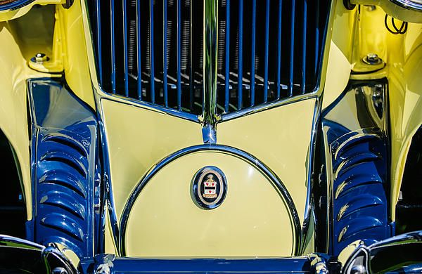 Cord Images by Jill Reger - Images of Cords - Cord Car Images -  1930 Cord L-29 Speedster Grille Emblem
