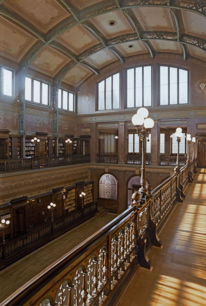 Les 25 lieux à voir absolument pendant les Journées du Patrimoine (en images)  --- 'Solvay library at 137 rue Belliard in Belgium.  A glorious adventure-- see the link.' JT (always in my own words)